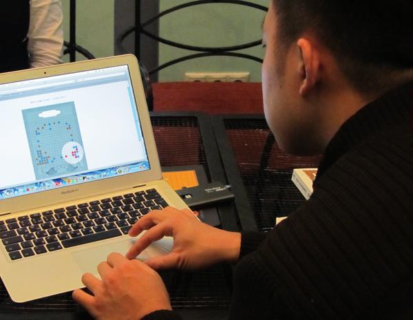 Ник Хо проходит китайский вариант аттестации по Го на 20 Чин