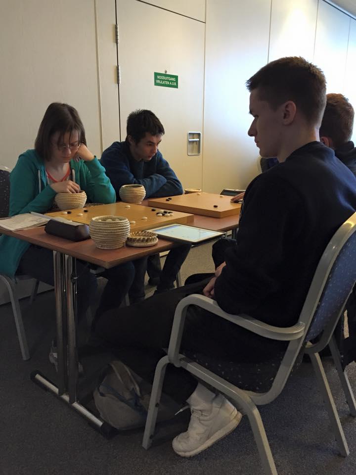 Девушка 3d из России, съела часть группы, соединенную бамбуком